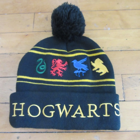 29241df82f2 Harry Potter Hogwarts Black Winter Beanie Cap Pom.  M 5b3bb52faa57198b7d31a685